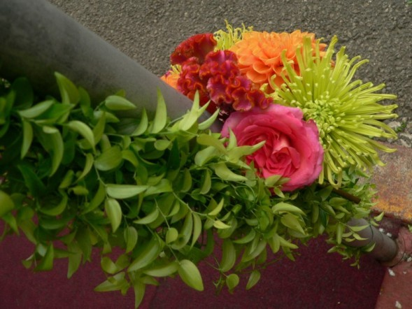 Flowers & Decor, Decor, yellow, red, green, Flowers