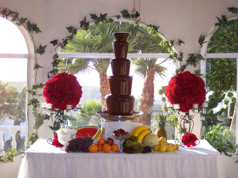 Flowers & Decor, red, Flowers, Contemporary catering and event planning services, Contemporary catering