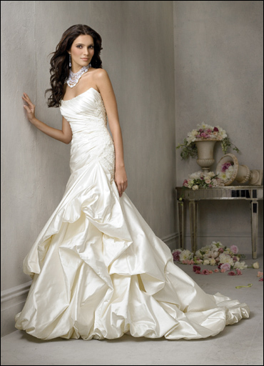Wedding Dresses, Fashion, dress, Jim hjelm, Strapless, Strapless Wedding Dresses