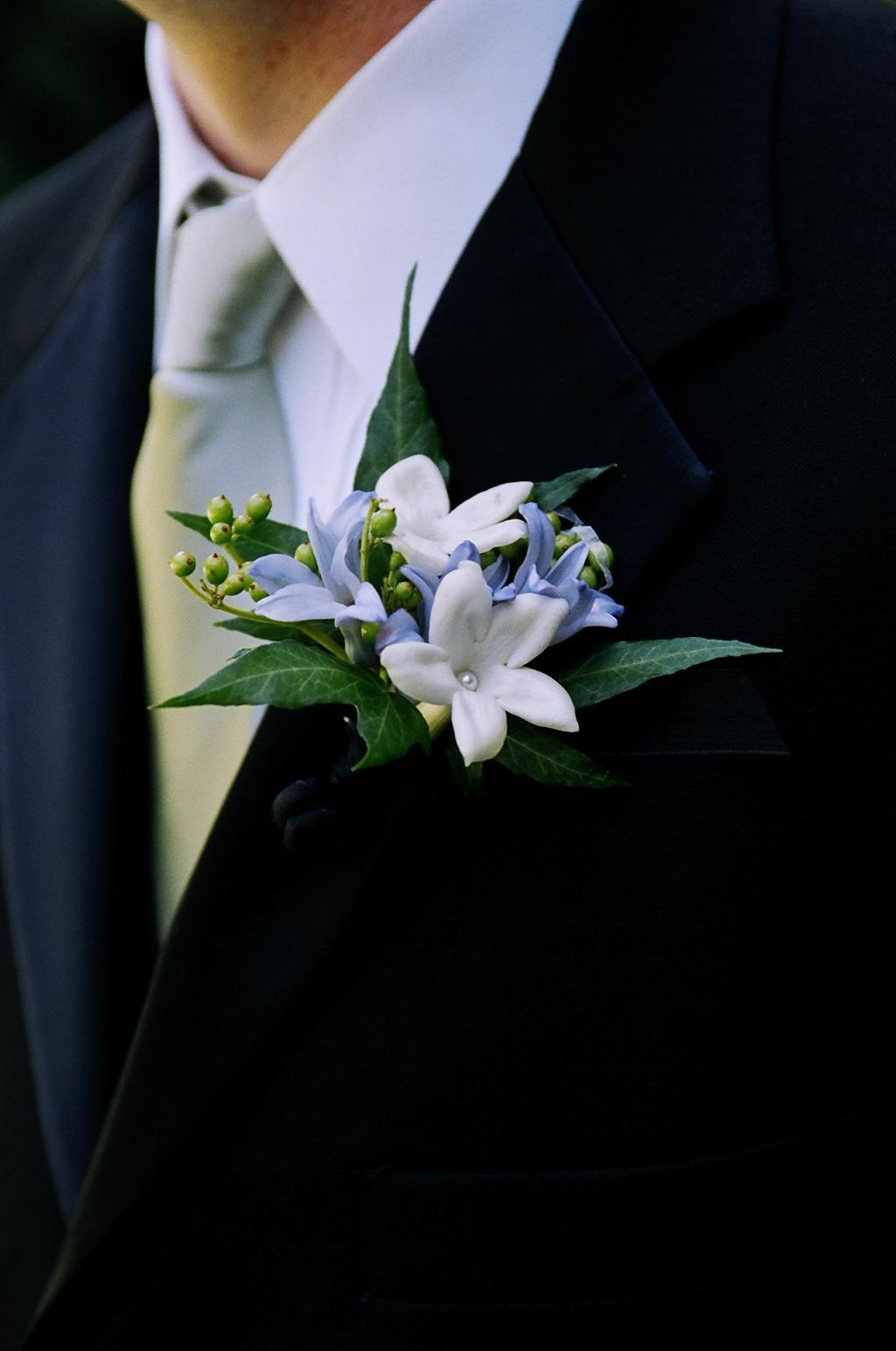 Flowers & Decor, green, Boutonnieres, Flowers, Boutonniere