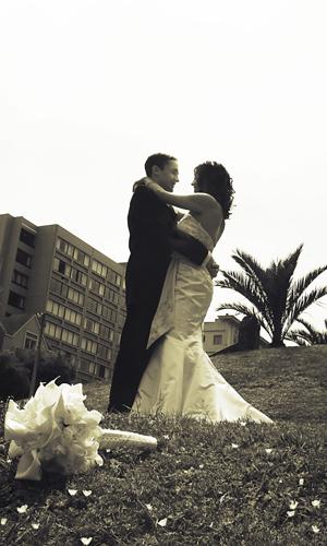 Flowers & Decor, Bride Bouquets, Classic, Bride, Flowers, Classic Wedding Flowers & Decor, Groom, Portraiture, Pre-wedding