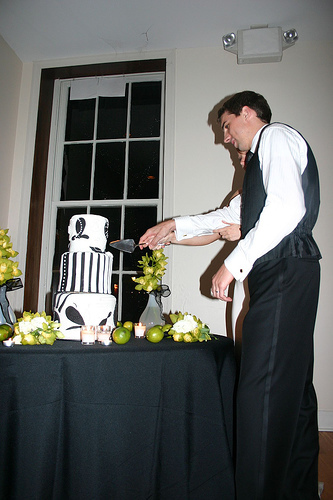 Reception, Flowers & Decor, Decor, Cakes, green, cake, Modern, Modern Wedding Cakes, Black and white, La partie events
