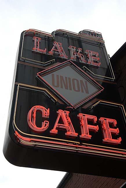 Lake union cafe