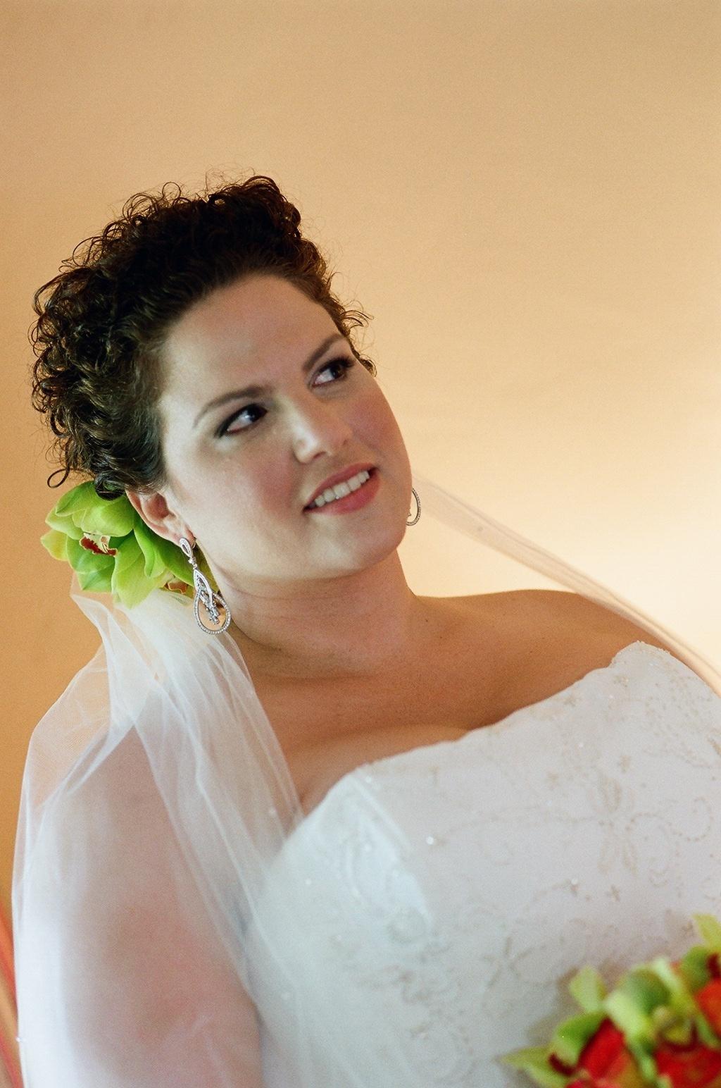 Beauty, Flowers & Decor, Veils, Fashion, Bride Bouquets, Bride, Flowers, Veil, Hair, Flower Wedding Dresses