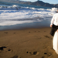 Beach, Bride, Groom, Gate, California, Baker, Golden, San, Francisco, Lilia photography, Bridge