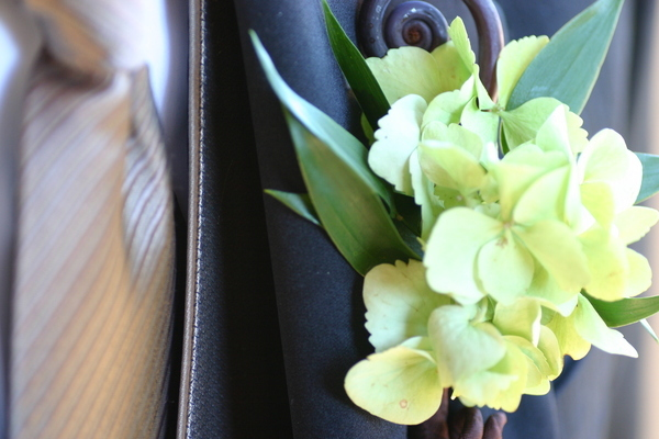green, Boutonnieres