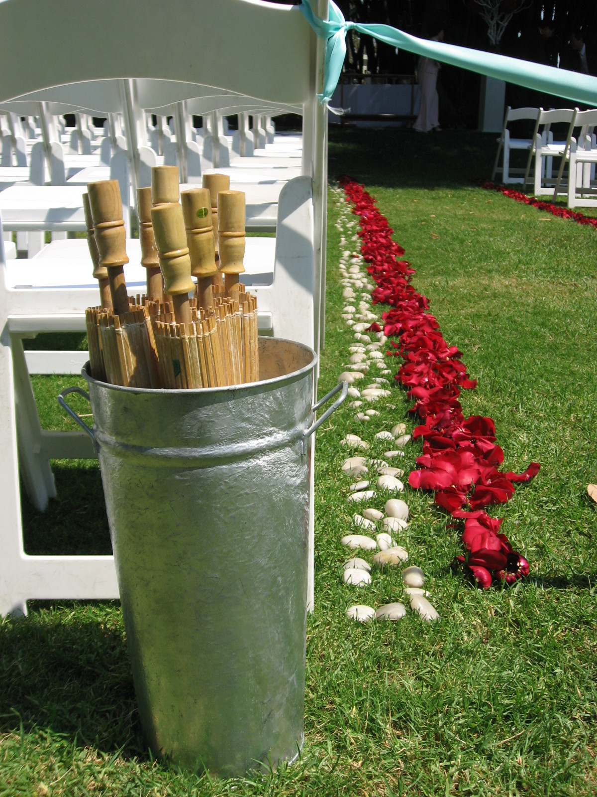 Ceremony, Flowers & Decor, Decor, Aisle, Parasols
