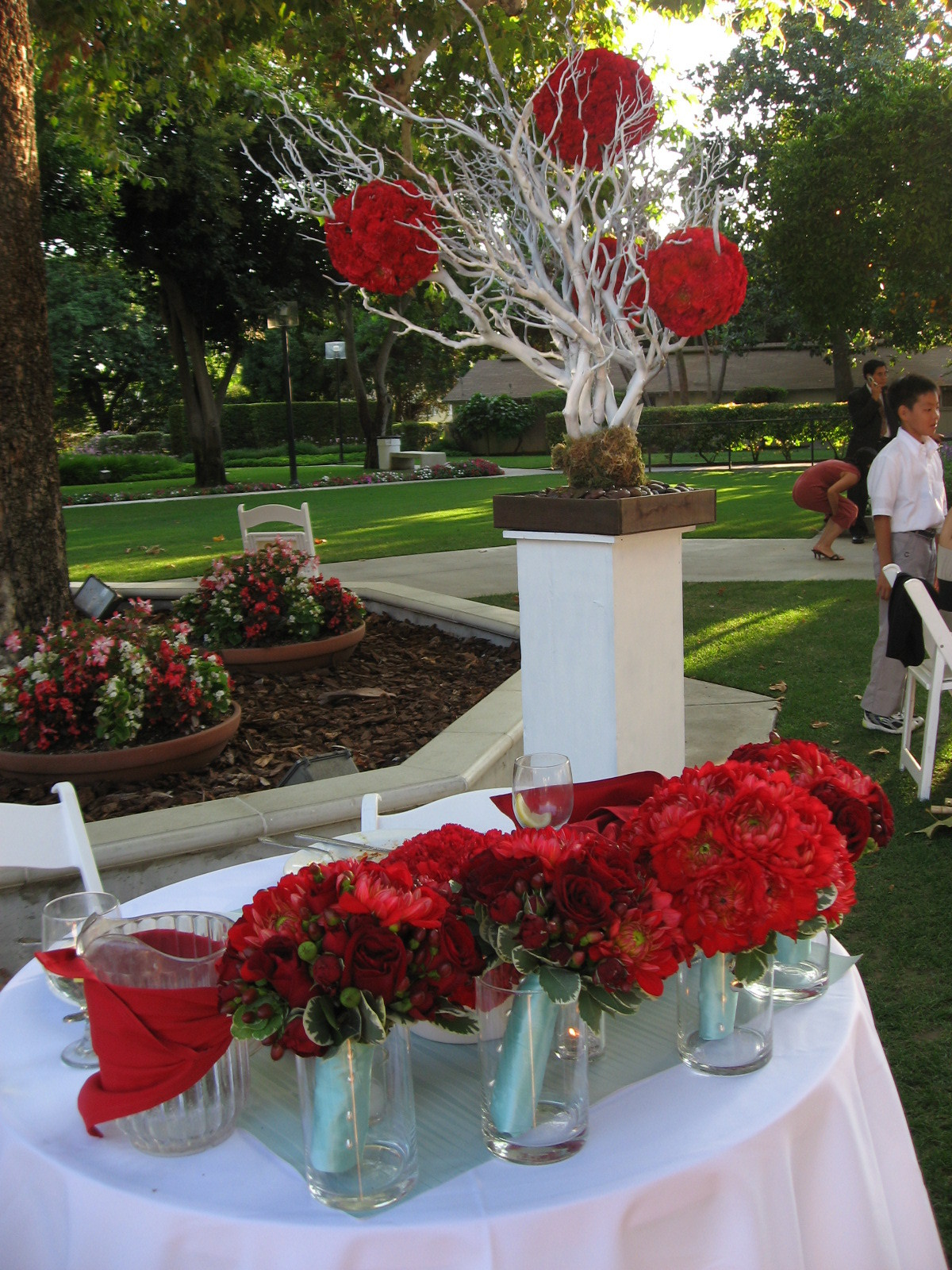 Reception, Flowers & Decor, Sweetheart table, Aqua and red, Manzanita
