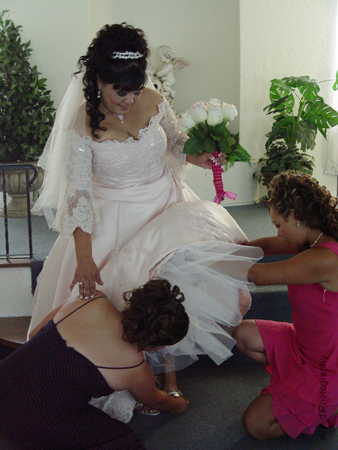 Getting ready, Wedding dress