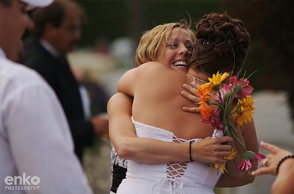Photography, Bride, Bouquet, Hug, Candid, Enko photography, Friend, Celebrate