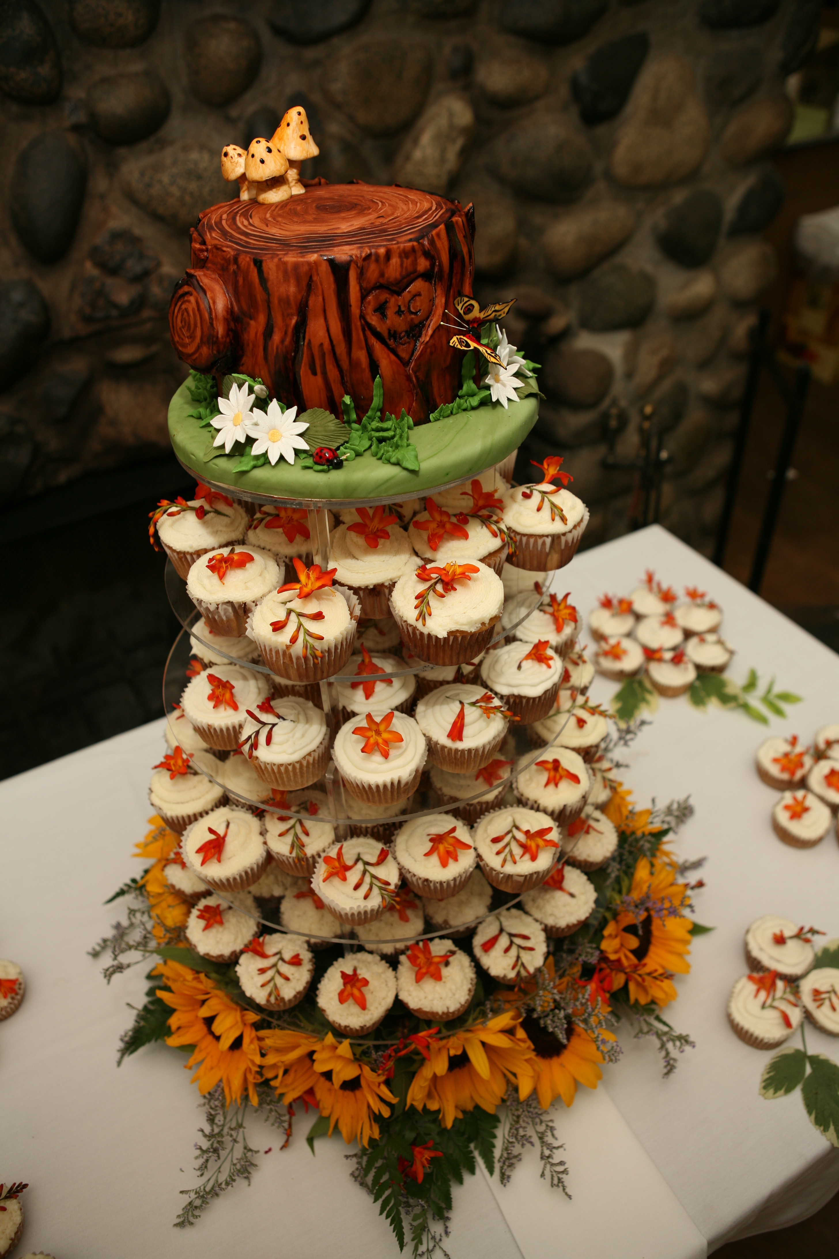 Cakes, cake, Cupcakes, And, Topper, Stump, Luscious creations