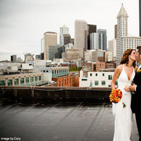 Summer, Fall, Bride, Outdoor, Groom, Kiss, Couple, Married, Seattle, Romance, Love, Washington, Urban
