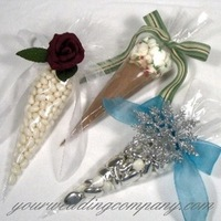 Reception, Flowers & Decor, Favors & Gifts, white, red, blue, brown, silver, favor, Favors, Accents, Gift, Table, Chocolate, Ribbon, Cone, Your wedding company, Favours, Keepsakes, Snowflake, Glittered, Cellophane, Wedding favor
