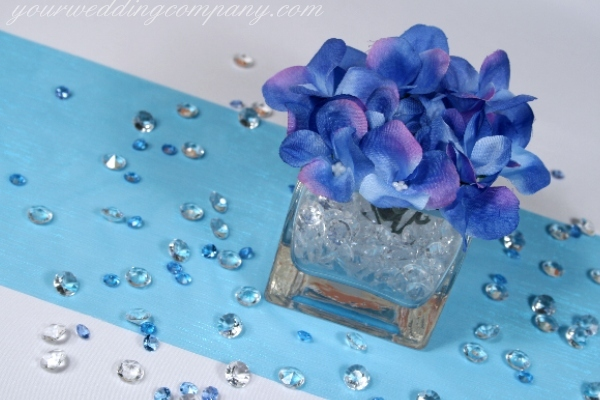 purple, blue, Centerpiece, Floral, Vase, Tulle, Details, Hydrangeas, Diamonds, Your wedding company, Table decoration, Confetti, Diamond confetti