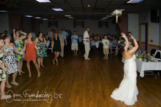 Bride, Bouquet, Toss, Jenn frankavitz photography