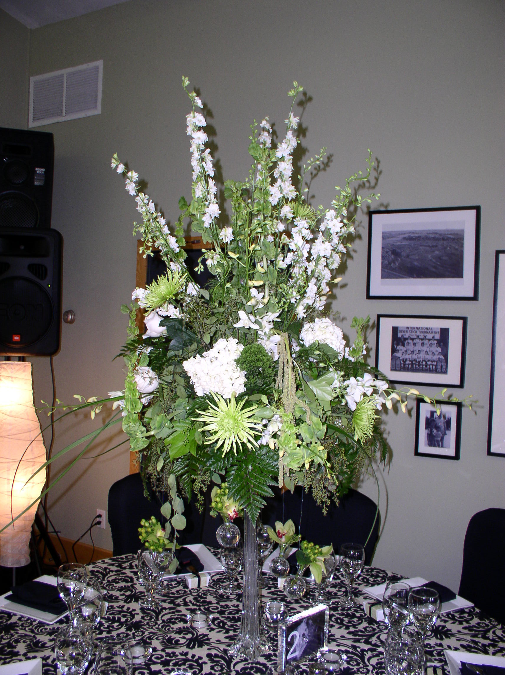 Centerpiece, Table, The flower alley
