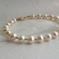Jewelry, white, Bracelets, Pearls, Bracelet, Kgarnerdesigns on etsycom