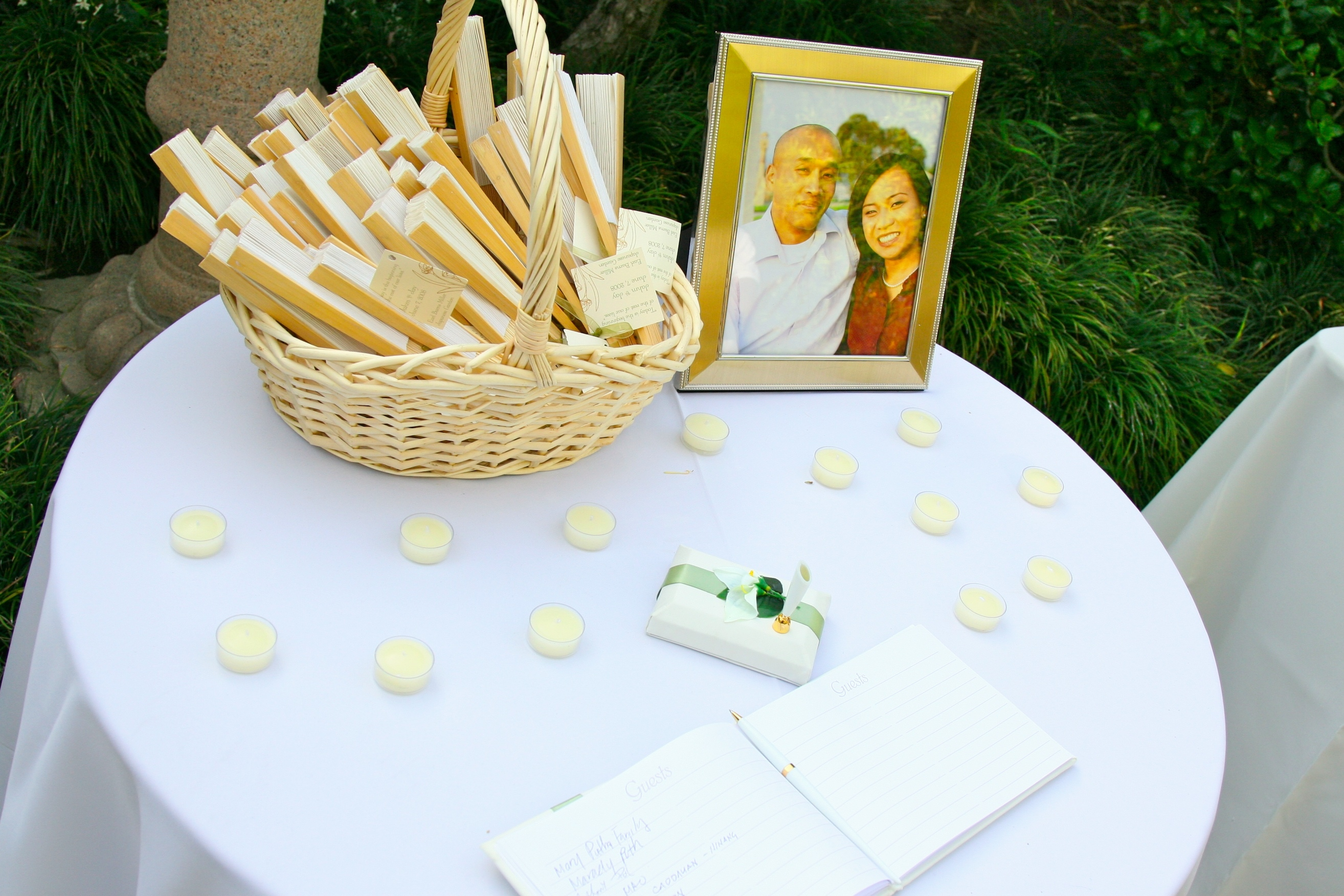 Ceremony, Flowers & Decor, Guestbook, Fans