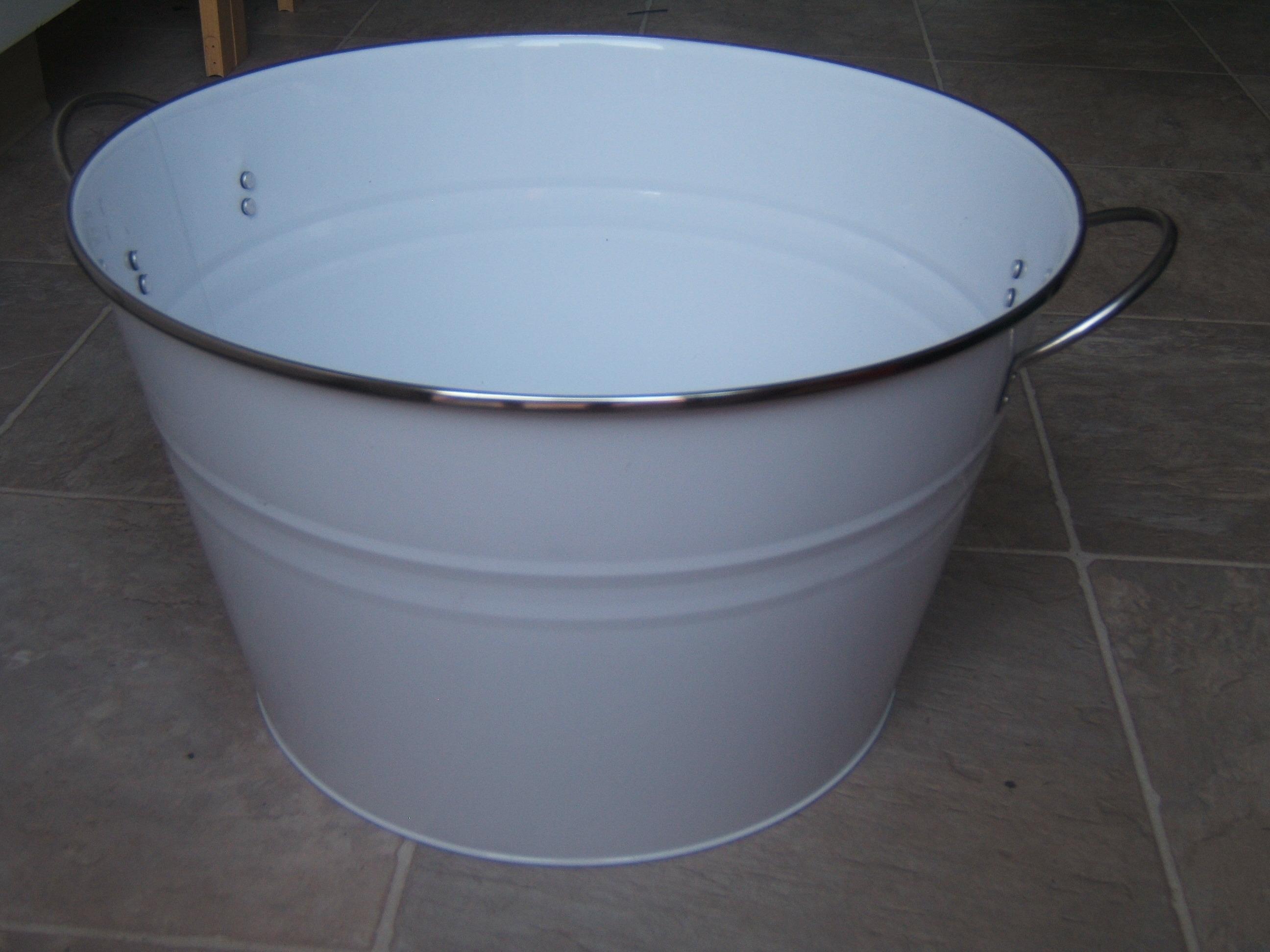 Beverage, Bucket
