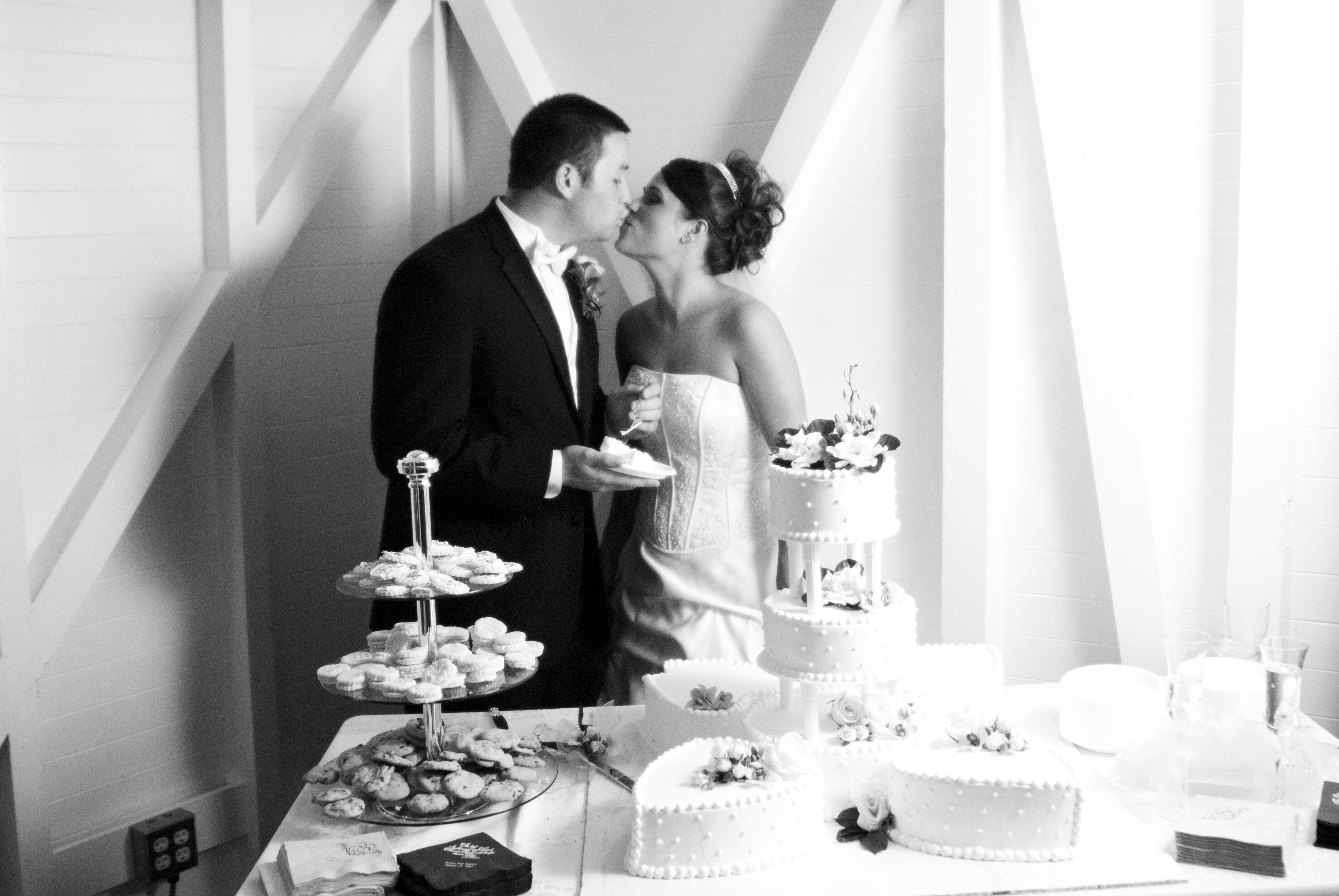 Reception, Flowers & Decor, Cakes, Destinations, cake, Cruise, Cake cutting, Boat, Ship, Virginia v steamship