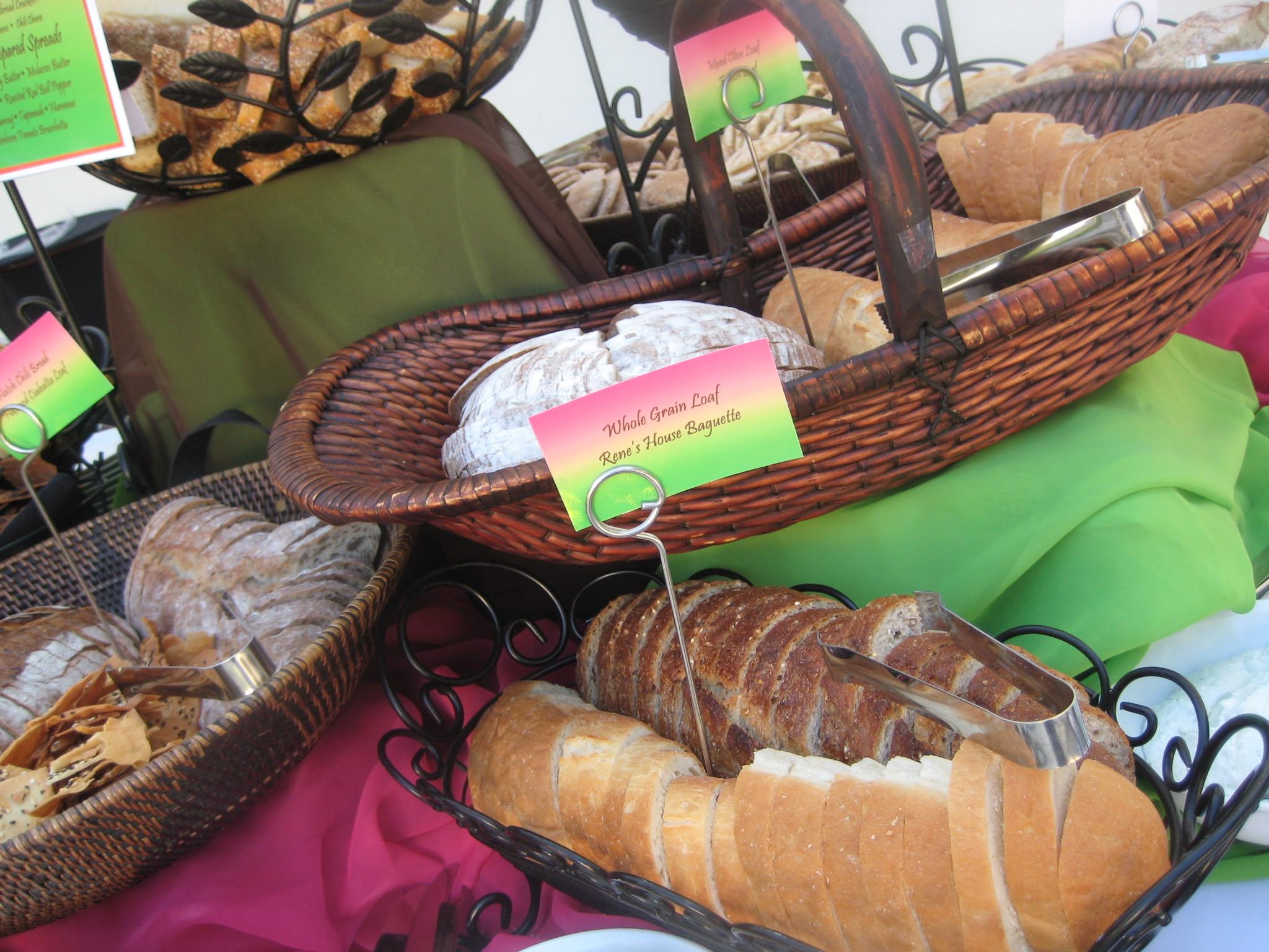 Table, bread