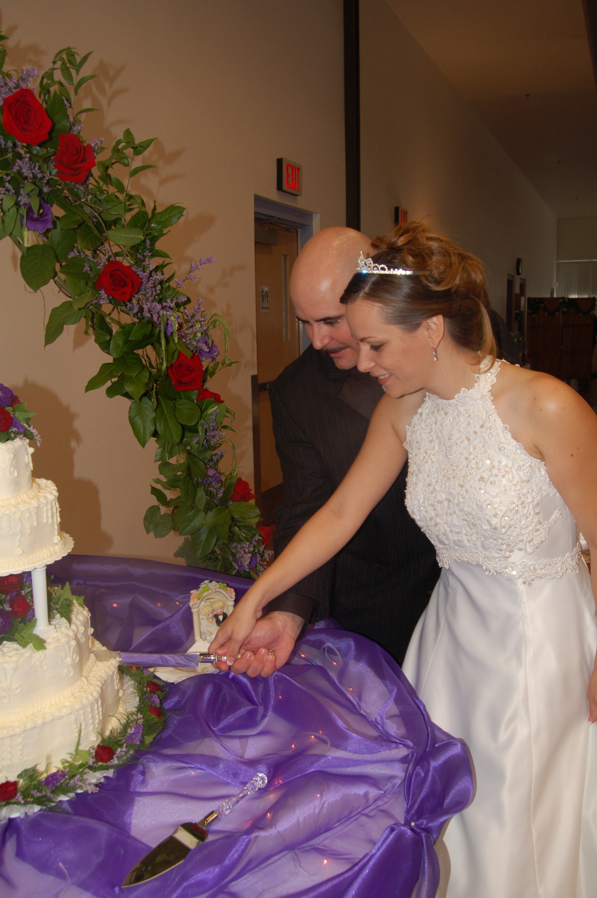Flowers & Decor, Bride Bouquets, Bride, Flowers, Groom, Cake cutting, Planned to perfection