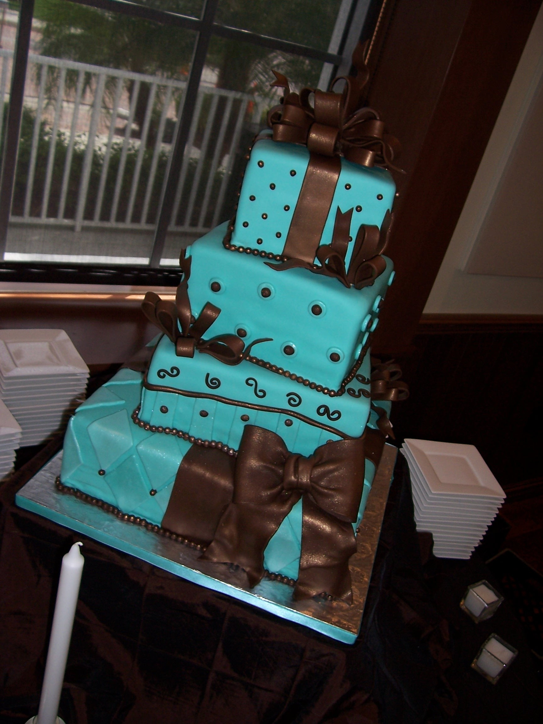 Cakes, blue, brown, cake, Gifts, Fondant, Pearls, Tiffany, Bow, Sandras cakes