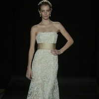 Wedding Dresses, Lace Wedding Dresses, Fashion, dress, Lace, Strapless, Strapless Wedding Dresses, Empire, Sheath, Embroidery, Monique lhuillier, Sheath Wedding Dresses
