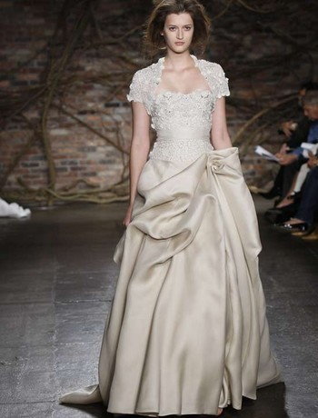 Wedding Dresses, A-line Wedding Dresses, Fashion, dress, Strapless, Strapless Wedding Dresses, A-line, Organza, Silk, Bolero, Monique lhuillier, Waist, Dropped, organza wedding dresses, Silk Wedding Dresses