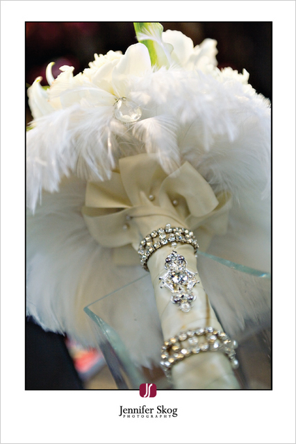 Beauty, Flowers & Decor, Feathers, Bride Bouquets, Flowers, Bouquet, Feather