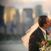 Classic, Bride, Groom, And, Beautiful, Kissing, Skyline, Chicago, Rascon design photography, Planetarium, Adler
