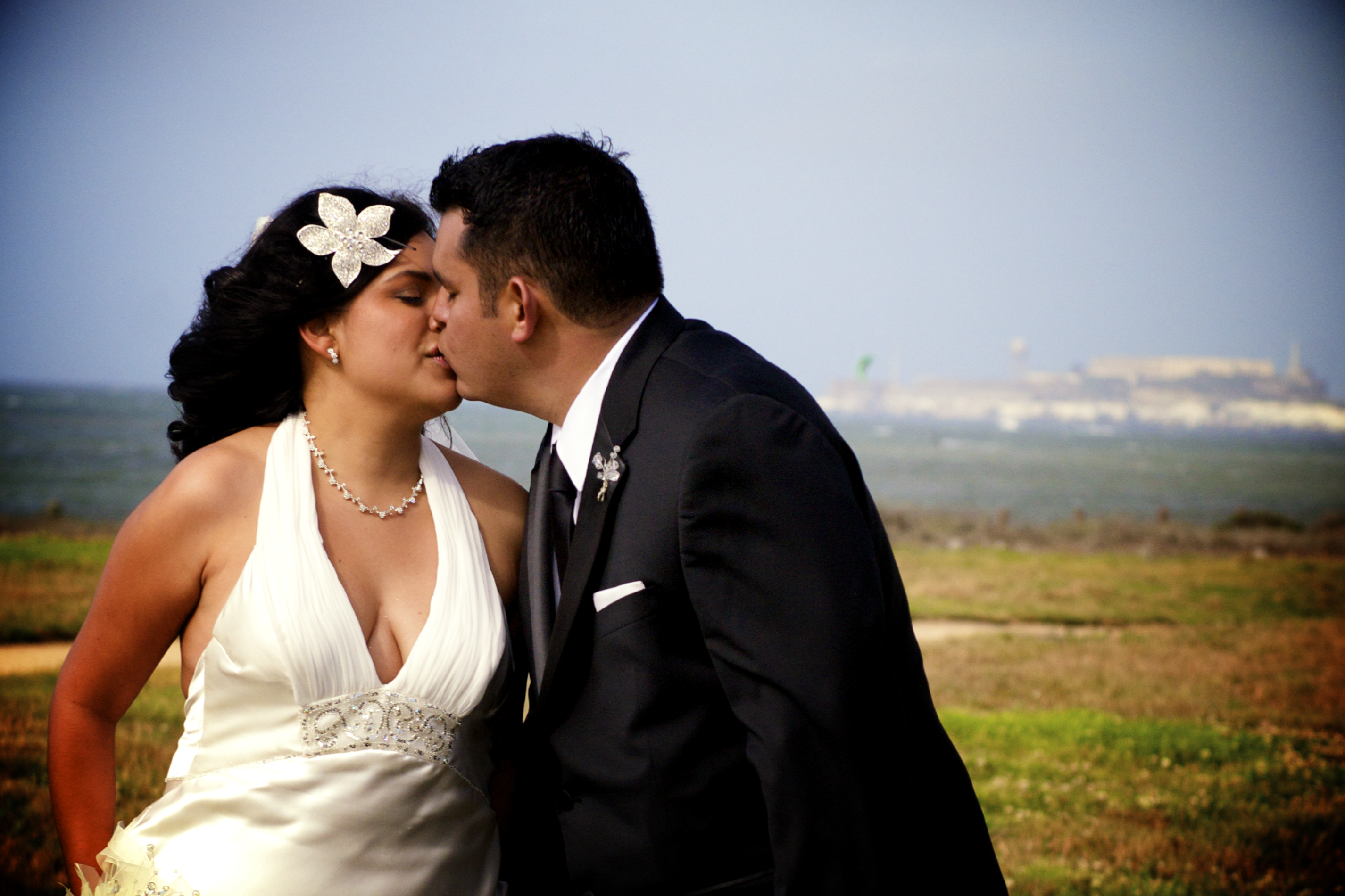 Wedding, Kiss, San francisco, wedding photography, Crissy field, Gloria nunez