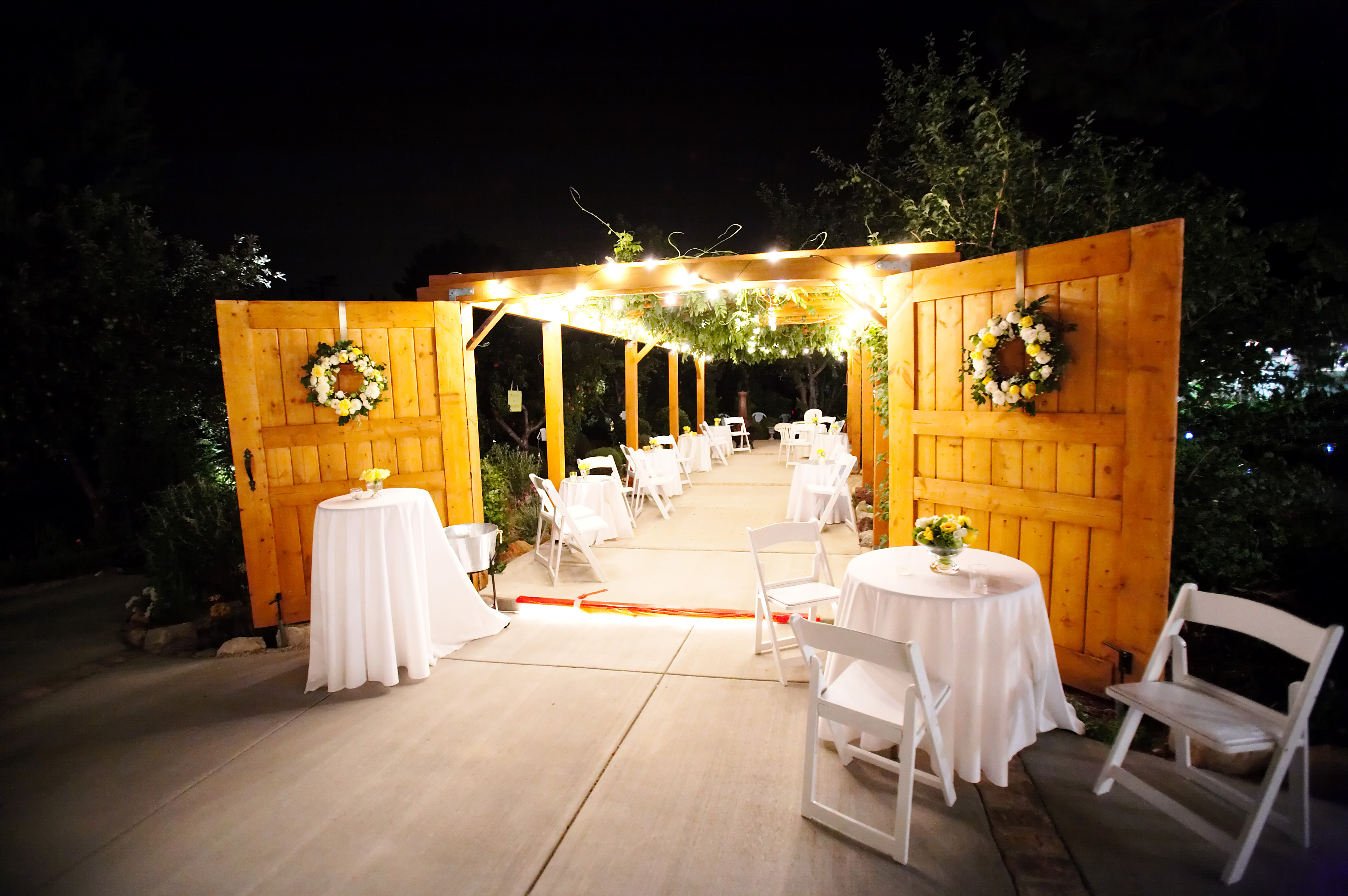 Reception, Flowers & Decor, Night