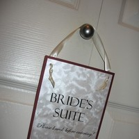 Brides, Sign, Suite