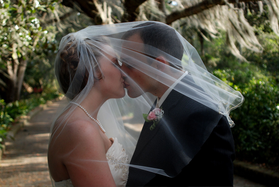 Veils, Fashion, Veil, Kiss, Groom bride, Sweet exposure, Courtney cooper rosen