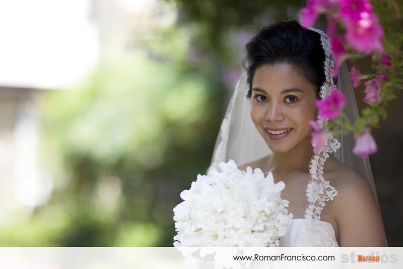 Veils, Fashion, white, Bouquet, Portrait, Veil, Outdoors, Color, Bokeh, Smile, Roman francisco, Horizontal, Indonesian, Indonesia, Bali