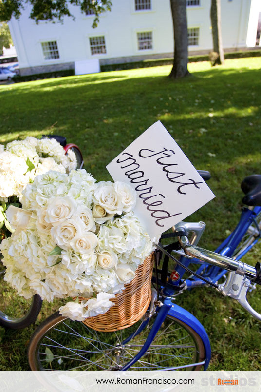 Flowers & Decor, Bride Bouquets, Vineyard, Outdoor, Flowers, Vineyard Wedding Flowers & Decor, Bouquet, Color, Martha, Bicycle, Roman francisco, Vertical, Marthas, Bike