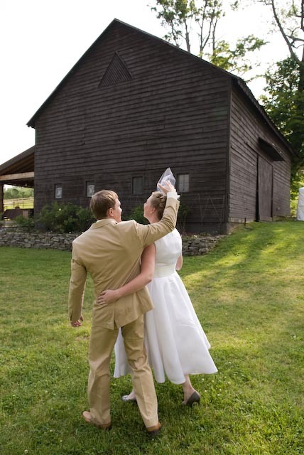 Bride, Groom, Barn, Country, Eric hauser photography
