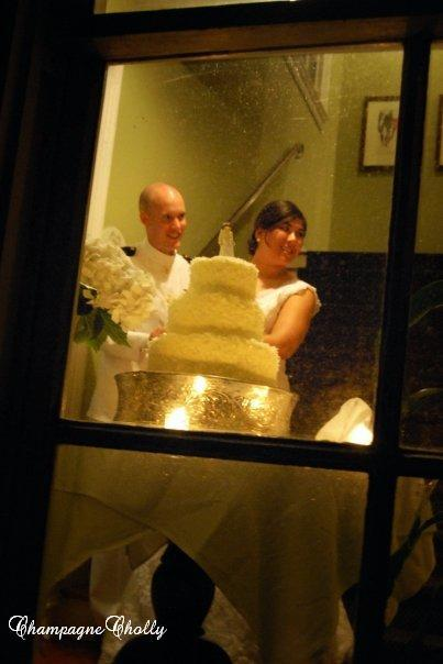Cake cutting, Champagne wedding