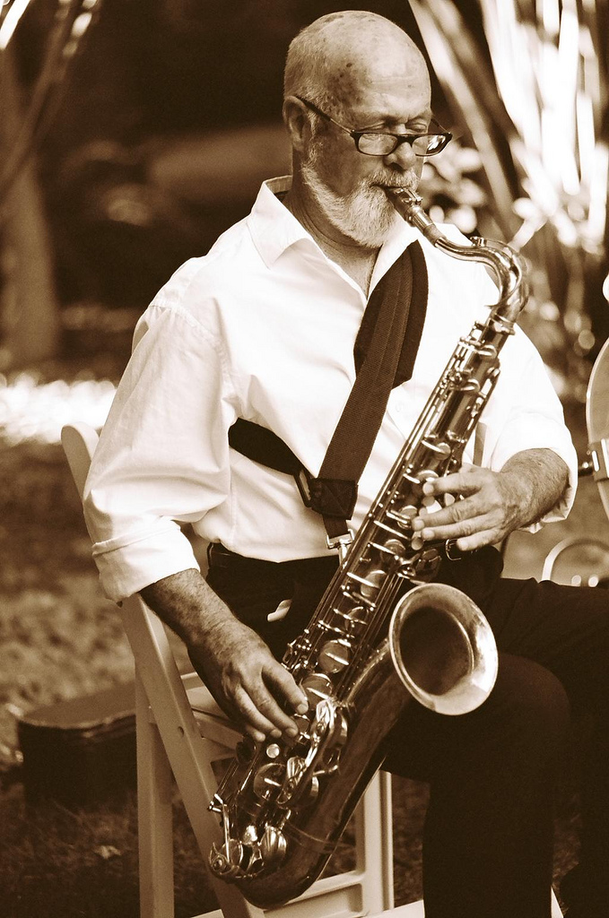 Cocktail hour, Musician, Saxophone