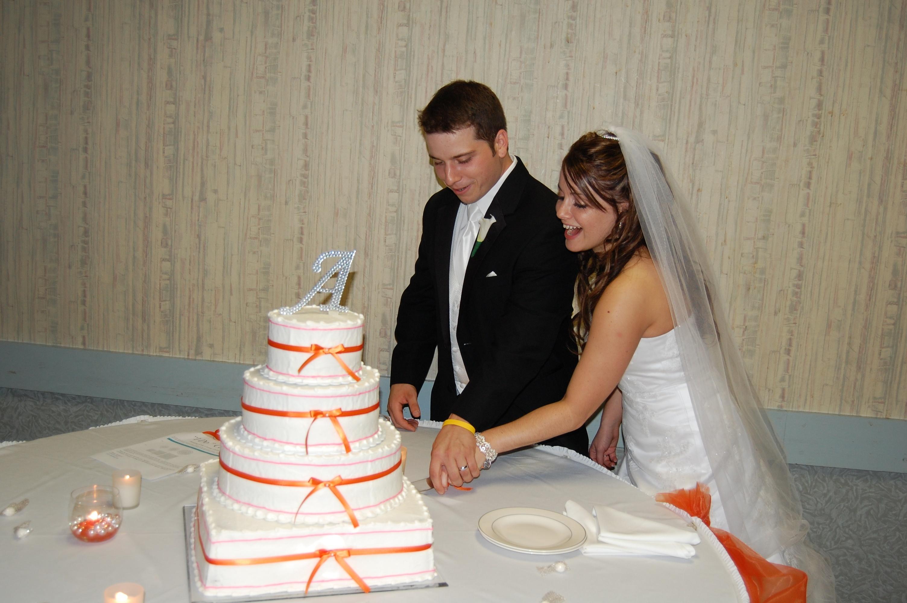 Cakes, orange, cake, Cake cutting