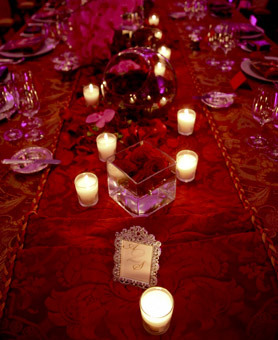 red, Centerpiece