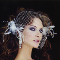 Beauty, Veils, Fashion, Feathers, Comb, Veil, Bridal, Combs, Alice hart couture millinery, Feather Wedding Dresses