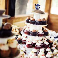 DIY, Vintage, Wedding, York, New, Cupcake tower