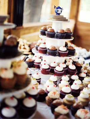 DIY, Vintage, Wedding, York, New, Cupcake tower