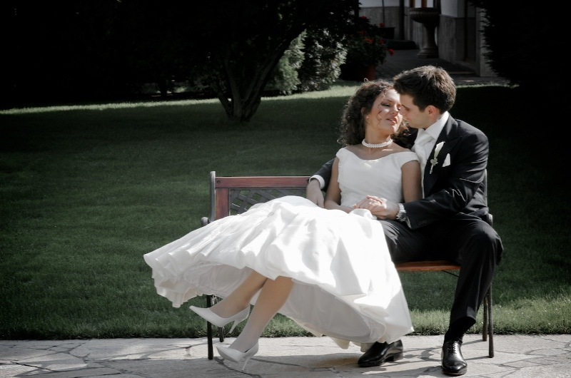 Bride, Groom, Park, Levente photography, Bench