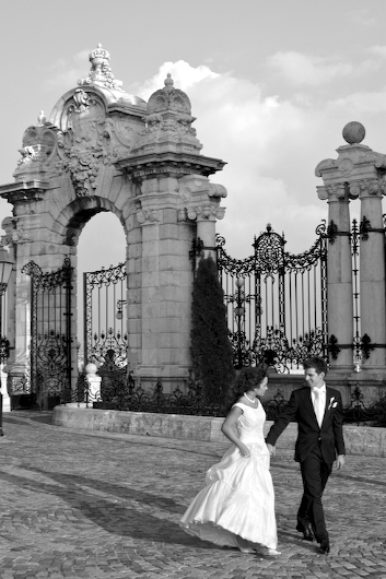 Bride, Groom, Gate, Castle, Levente photography