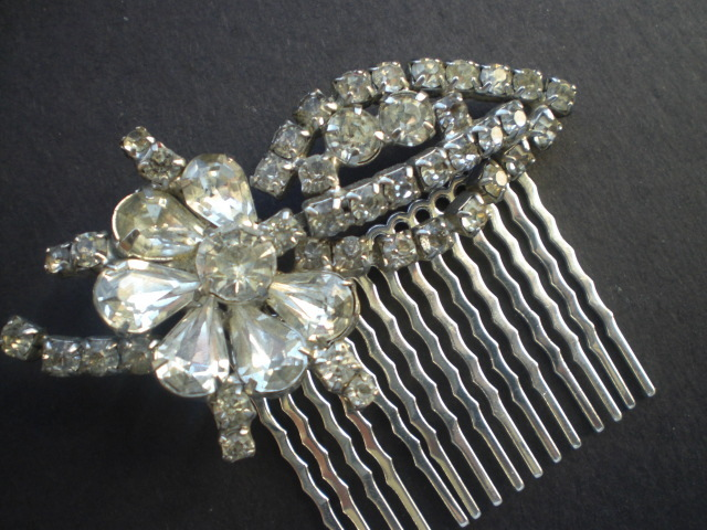 Beauty, Jewelry, Tiaras, Chignon, Half-up, Updo, Curly Hair, Wavy Hair, Long Hair, Headbands, Comb, Hair, Long, Wavy, Tiara, Pulled back, Crystal, Swarovski, Diamond, Curly, Pearl, Headband, Hairpiece, Hair piece, Up-do, Belle nouvelle designs, Hair comb