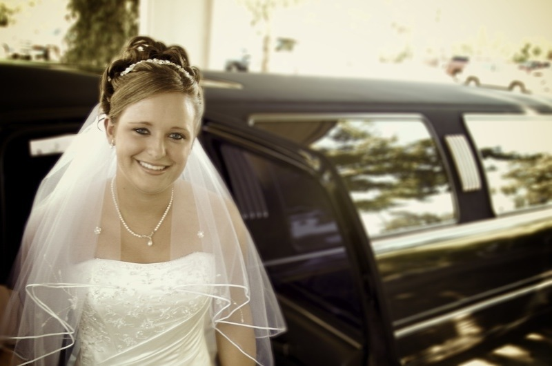 Bride, Car, Limo, Levente photography
