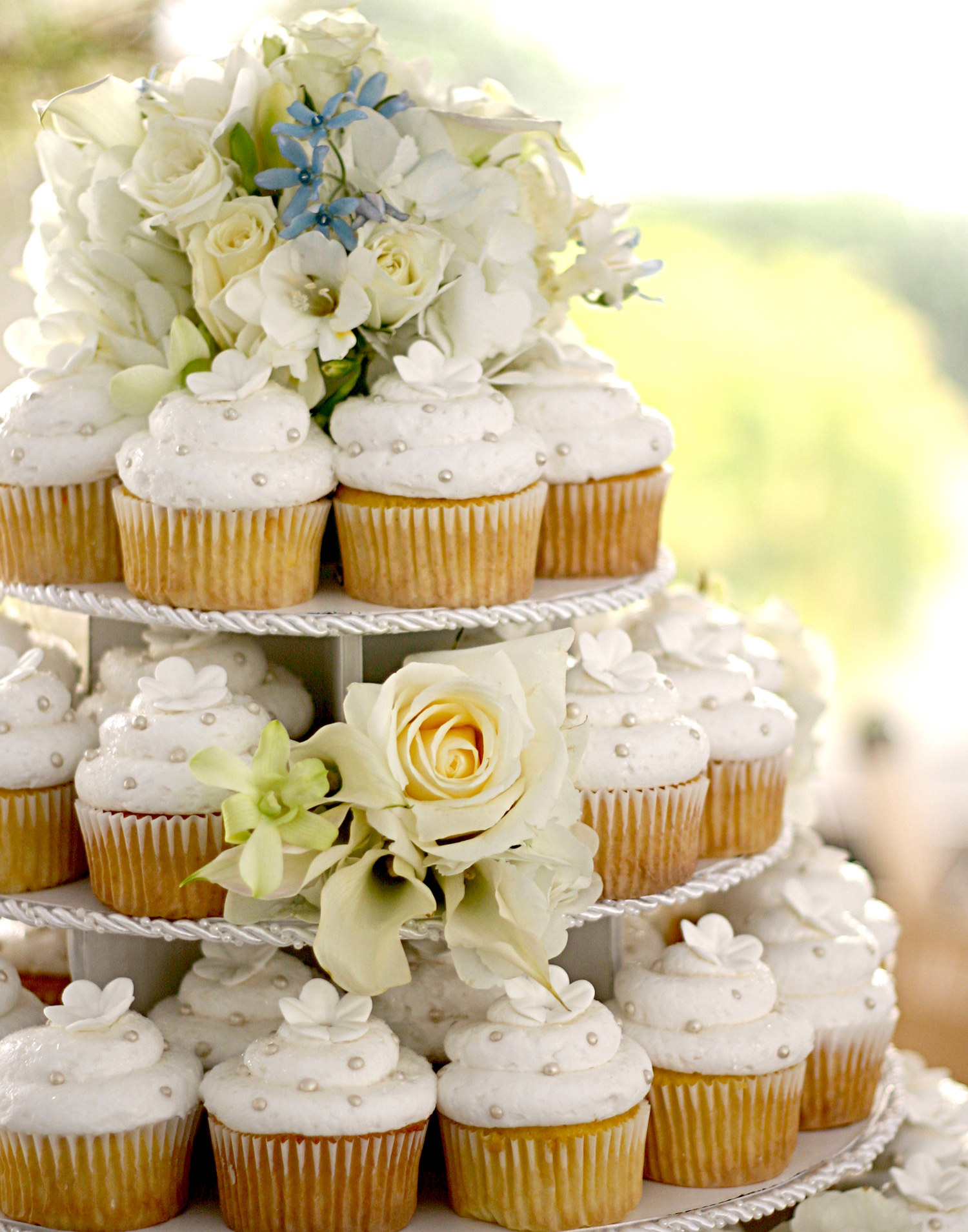 white, Cupcakes, Wedding, Gourmet, Cupcakes gourmet, Cupcake wedding cake